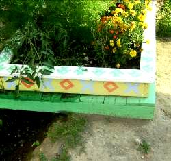 Коми-пермяцкий орнамент на клумбах Кудымкара