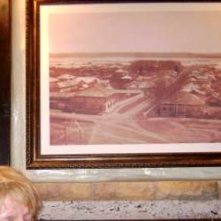 Дизайн ресторана «Блюз»: инсталляция в полу, на стенах – виды старого Кудымкара