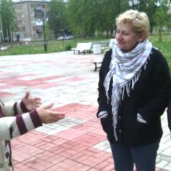 Вернулись в Кудымкар. У театра встретили актрису Наталью Морозову, которая утверждает, что в новом театре «ничего не течет, это все желтая пресса», и в таком театре она мечтала играть всю жизнь, а народ «валом валит». Порадовались за всех вместе
