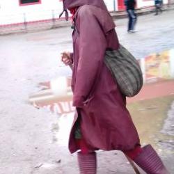 Кстати, в Коми-пермяцком округе многие старушки ходят с посохом (простая деревянная сучковатая палочка) и котомочкой