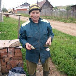 Любовь Григорьевна, которая только что вернулась с рыбалки